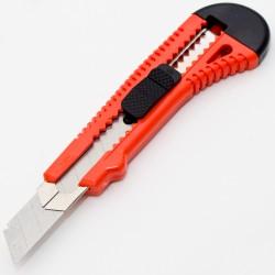 HT-11-108 - Nóż do tapet z...